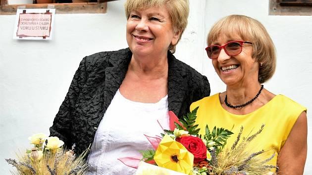 Cenu hejtmanky Jihočeského kraje za zachování a rozvoj lidových tradic za rok 2020 získala Růžena Vinciková, převzala ji v sobotu 15. srpna v hoslovickém mlýně.