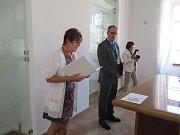 Starosta Miroslav Fenc přivítal 4. září devatenáct prvňáčků ZŠ Bavorov v Panském domě.