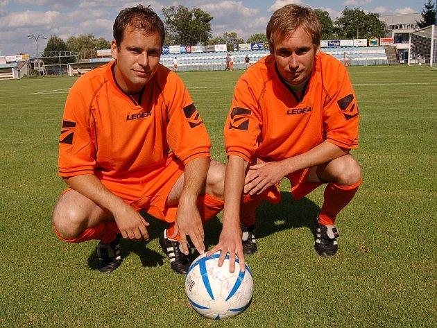 Bratři Rostislav Dolejš a Petr Dolejš (zleva) po letech opět ve společném dresu.
