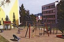 Návrh dětského hřiště u mateřské školy.