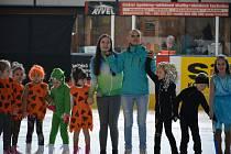 OBRAZEM: Exhibiční vystoupení předvedly děti z Krasobruslařského oddílu HC Strakonice.