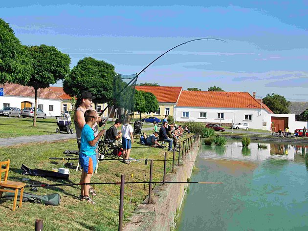 Drahonice ovládli rybáři