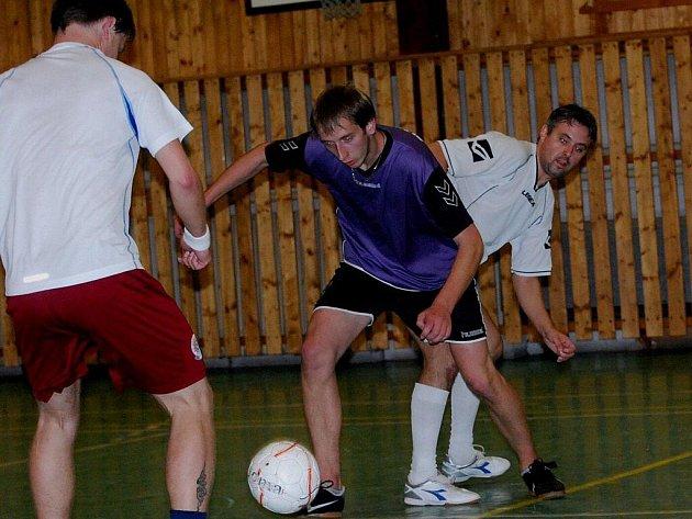 Dream team (světlé dresy) dvakrát vyhrál, porazil Plachetnici a Konibar.