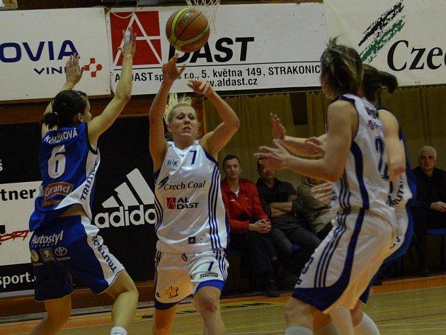Basketbalistky Strakonic podlehly Trutnovu o dvacet bodů.