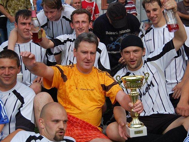 Fotbalisté Lomu jsou okresními přeborníky pro sezonu 2007/2008.