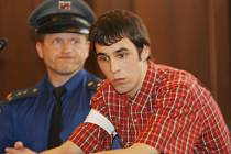 Krajský soud v Českých Budějovicích odsoudil za napadení Jakuba Štěrbíka, loni v květnu ve Strakonicích, Lukáše Vorobeľa na 12 let nepodmíněně.