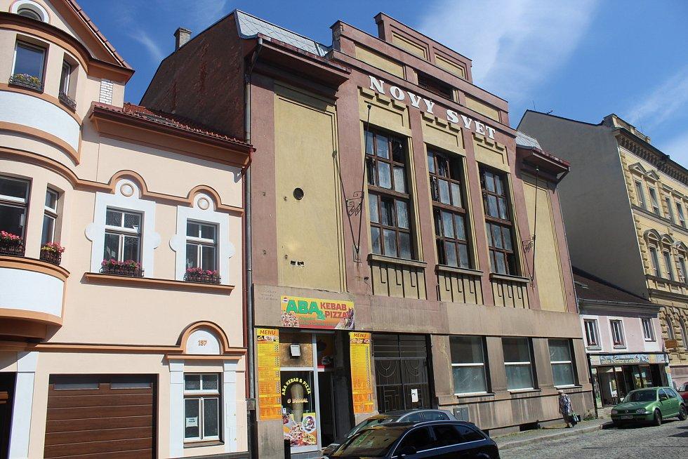Budova bývalého kina Svět v ulici Lidická.