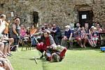 Návštěvníci Helfenburku si o víkendu užili  bojovné rytíře.