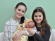 David Kůrka, Radošovice, 19.1. 2018, ve 4.38 hodin, 3920 g. Davídek má sestřičky Adélku (13) a Lindu (8).