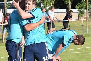 Fotbalový víkend odstartuje již v pátek na hřišti v Katovicích. Ilustrační foto.