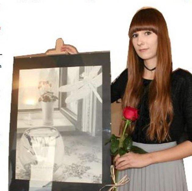 Radka Bošková kreslí obrazy, které vypadají jako skutečné fotografie.