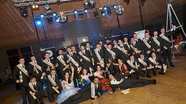 Třídy 4.A a 4.B Rybářské školy Vodňanské střední školy měly v pátek 22. února maturitní ples ve vodňanské víceúčelové hale.