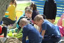 Děti slavily svůj den u zmrzliny nebo na hřišti.