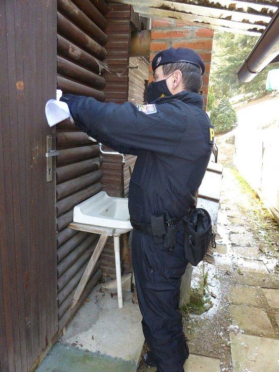 Volyňští policisté kontrolovali chatové oblasti.