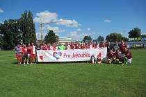 Pro Jakoubka hrály fotbal i výběry fanoušků Slávie a Sparty Praha.