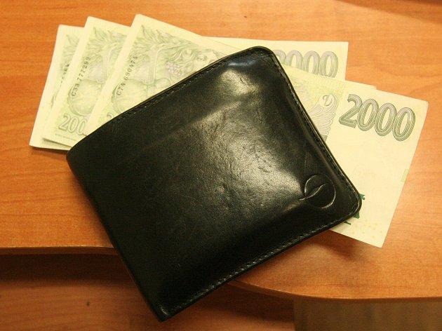 V Blatné ukradli peněženku.