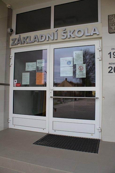 Na vodňanském gymnáziu se učilo. Budovy základních škol zůstaly ale kvůli stávce učitelů zavřené..