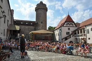 Vítání léta na strakonickém hradu. Ilustrační foto.