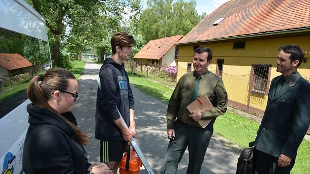 Na Střední rybářské škole v těchto dnech probíhá druhá část maturitních zkoušek, která se z velké části koná v přírodě.