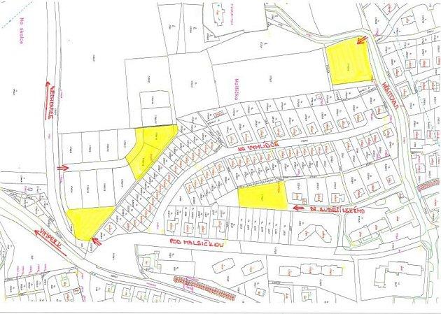 Vdobě rekonstrukce nebude možné parkovat vulici na Vyhlídce, město proto lidem zajistilo parkování na zelených plochách vdocházkové vzdálenosti od jejich domovů.