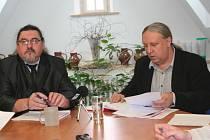 František Christelbauer (vpravo) a starosta Břetislav Hrdlička.