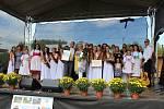 V Čejeticích se dnes slavilo. Stuhy, ocenění a diplomy si sem dnes přijeli převzít zástupci oceněných obcí soutěže Jihočeská vesnice roku 2019 z celých jižních Čech.