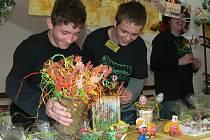 U prodejního stánku jsme zastihli Tomáše Budínského a Jaroslava Murka (zleva).