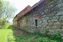 Zámek v Lažanech na Blatensku.