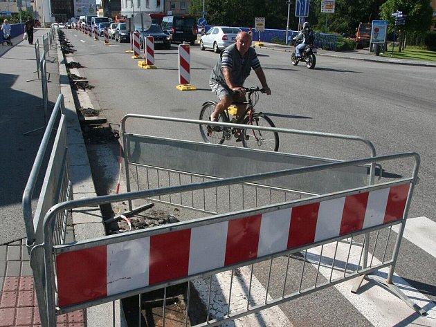 Rekonstrukce mostu v Benátkách přinese dopravní komplikace. Ilustrační foto