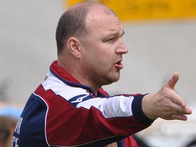 Trenér katovického béčka Karel Vach.