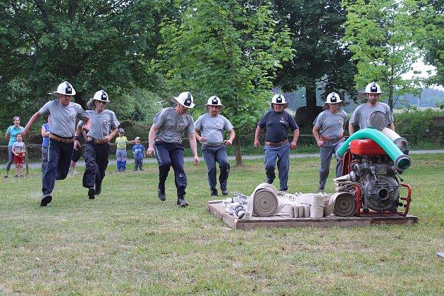 Síly měřili hasiči Velké Turné a Oseku.