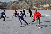 Hokejové setkání.