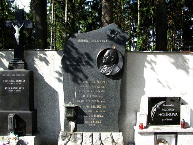 Hrob Jana Vratislava Želízka na volyňské Malsičce.