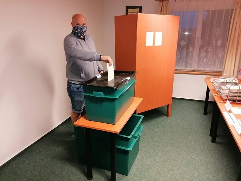 Volby v Ražicích na Písecku.