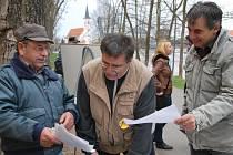 Na strakonickém Podskalí se sešli ti, kdo nesouhlasí se současnou vládou a svým podpisem se připojili k Holešovské výzvě.