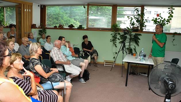V úterý 12. června se ve Státním okresním archivu uskutečnila přednáška a vzpomínání Jaroslava Landsingera na srpen 1968 ve Strakonicích.