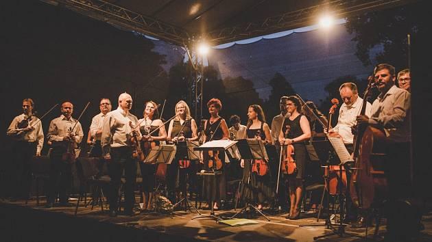 V pátek 26. července 2019 se na zámku Blatná konal koncert slavné vídeňské filharmonie Donau Philharmonie Wien.