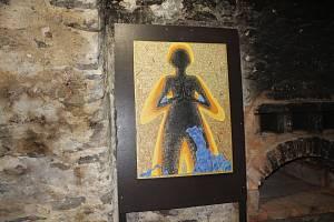 Výstavu obrazů Pavly Gregorové – Šípové s názvem Recyling.