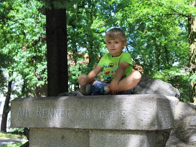 Aktivity pro všechny členy rodiny najdete v sobotu od 14 hodin v Rennerových sadech ve Strakonicích.