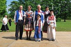 V rodině Josefa Jůzka je kroj rodinnou tradicí
