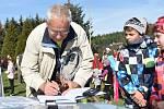 Strakoničtí lyžaři ocenili zasloužilým trenérům. Foto: Jan Škrle