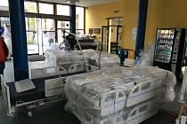 Stěhování lůžek ve strakonické nemocnici.
