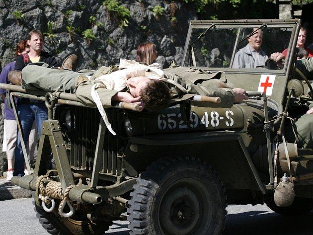 Členové lubu 26. divize US Army předvedli ukázku bojů.