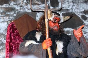 Otevření pekelných bran proběhlo v sobotu 8.12. v rámci Adventních trhů ve Strakonicích