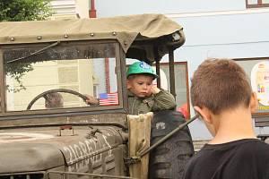 Vodňany - Již po čtvrté mohli lidé v sobotu 22. června na vodňanském náměstí obdivovat historická vozidla a motocykly.