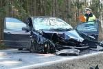 Srážka osobních aut u Katovic.