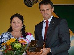 Dana Vohryzková s hejtmanem Jiřím Zimolou