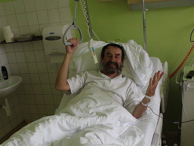 Spisovatel Jan Bauer pobývá v současné době v písecké nemocnici.