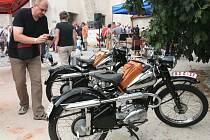 Připomenutí výroby motorek v ČZM