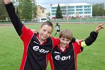 Ve Strakonicích se v neděli 4. května konal fotbalový turnaj E.ON ČR Junior Cup 2008 za účasti osmi celků. Vítězem se stala Blatná, která postupuje do Malého jihočeského finále.
